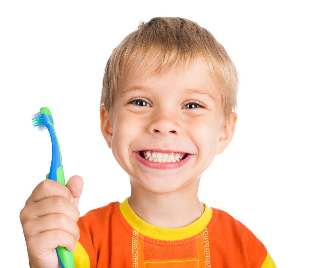 boy cleans a teeth